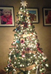 The Tree | Macaroni and Mascara Holiday Decor